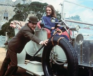 Patrick Macnee and Diana Rigg in
