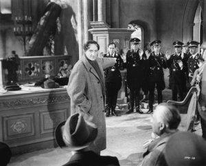 Holmes combatiendo a los Nazis en La voz del terror (1943)