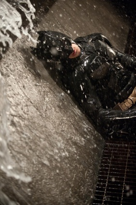 dark_knight_rises_batman_down