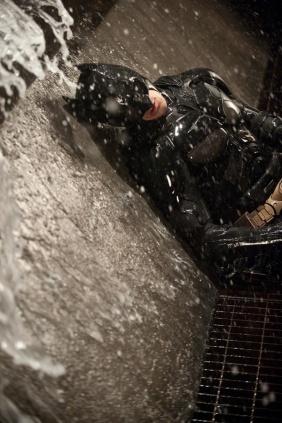dark_knight_rises_batman_down