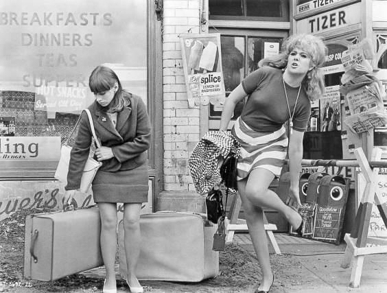 Rita Tusingham y Lynn Redgrave en Smashing Time