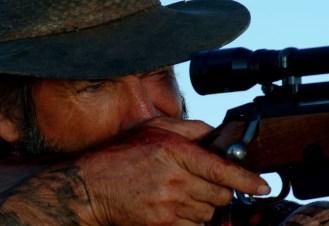 John Jarrat en Wolf Creek 2005